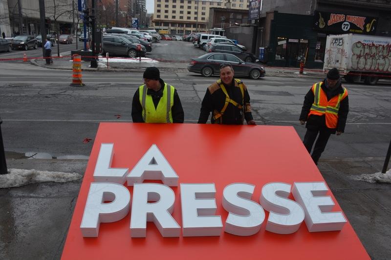 La Presse backlit sign